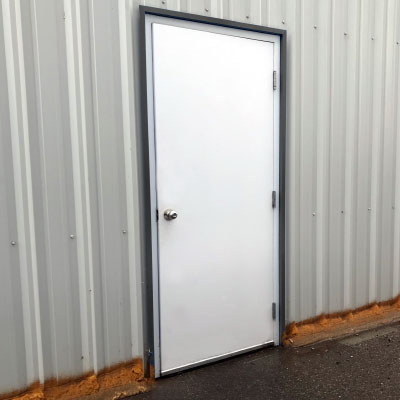Forma Steel Accessories: Insulated Door with Lockset